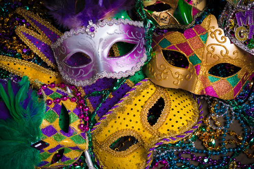 make-a-festive-mardi-gras-mask